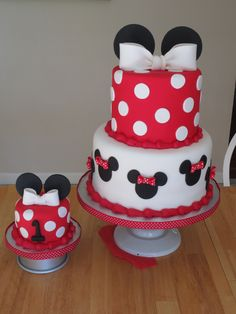 Minnie Mouse cake..the little one for jillian