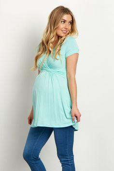 a4b1c327a Cute and classic maternity and nursing top Embarazo Con Estilo