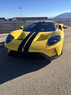 2017 Ford GT, Triple Yellow.