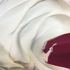 American Buttercream Recipe (ABC) | Sugar Geek Show Crisco Frosting, Crusting Buttercream Recipe, American Buttercream Recipe, Easy Buttercream Frosting, Buttercream Cake Decorating, Cream Cheese Buttercream, Sugar Cookie Frosting, Cake Icing, Vanilla Buttercream