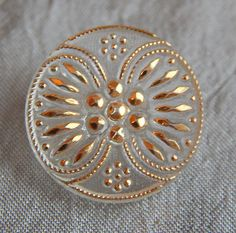 Antique-Glass-Button-Clear-Luster-Victorian-Wallpaper-Pattern-857a