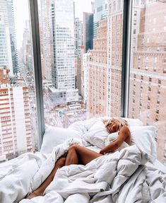 This but in London 🇬🇧 Adventure Awaits, Adventure Travel, The Places Youll Go, Places To Go, Foto Top, Le Cap, Dream Apartment, Apartment View, London Apartment