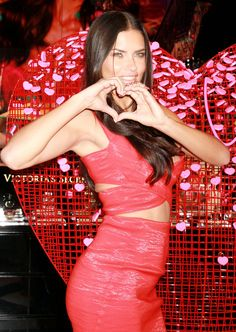 Adriana Lima shares Valentine's Day picks at Victoria's Secret in Caesars Forum Shops - http://celebs-life.com/?p=82493