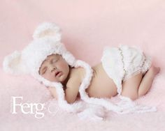 Newborn/Baby Crochet White Bear Hat Photography Prop