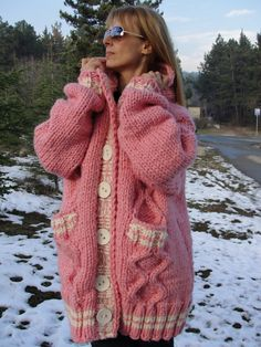 Long Sweater Coat, Mohair Sweater, Long Sweaters, Crochet Coat, Cowl Neck Dress, Chunky Wool, Pink Cardigan, Pink Outfits, Sweater Outfits