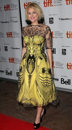 drew barrymore in an amazing tattoo looking dress !!!