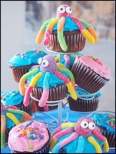 "Octopus Cupcake Ideas ""Under the Sea"" Summer party ideas 35 ⋆ YUGTEATR 29 Magical Mermaid Party Ideas Simple lemon dip Cute Cupcakes, Sea Cupcakes, Party Cupcakes, Ocean Theme Cupcakes, Pool Party Cakes, Mermaid Cupcakes, Girl Cupcakes, Pool Parties, Themed Cupcakes"