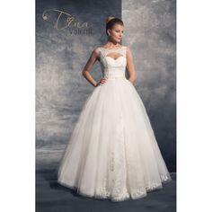Predaj svadobných šiat šitých na mieru s veľkou princeznovskou sukňou a odhaleným chrbtom Beautiful Bride, Bridal Dresses, Marie, Lace Wedding, Formal Dresses, Collection, Brides, Fashion, Valentines Day Weddings