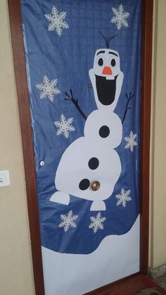 Puerta decorada. Olaf