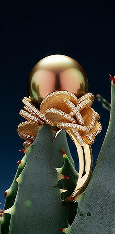 Robert Wan, ring Desert Rose Tahitian pearl peacok orange reflection with 270…