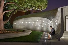 Belzberg Architects Have Designed A Serene Outdoor Sanctuary With Sculptural Concrete Seating