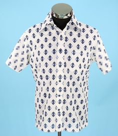 Vintage 1970s Mens White and Blue Shirt Size M by CeeLostInTime