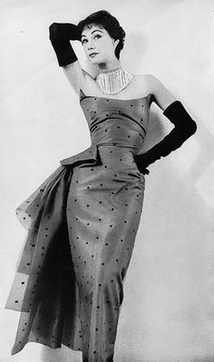 Sophie Malgat in an evening gown by Elsa Schiaparelli for Novita, June 1953.
