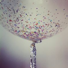 45+ Fun and Creative Ways to Use Balloons --> DIY CONFETTI BALLOON FOR NEW YEAR #craft #balloon