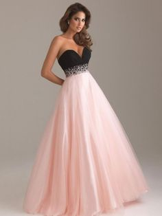 Various styles of long prom dresses, long evening gowns and formal dresses are here for you to select. Long prom dresses will have you looking elegant. Ball Gowns Evening, Ball Gowns Prom, Ball Dresses, Evening Dresses, Party Dresses, Dinner Dresses, Dresses Dresses, Cocktail Dresses, Occasion Dresses