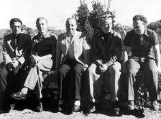 Joseph Kosma, Jacques Prévert Marcel Carné, Jean Gabin et Alexandre Trauner à la Colombe d'Or à Saint-Paul-de-Vence, en 1945 Photo Emile Savitry