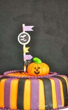 eva und ich: my first halloween fondant cake