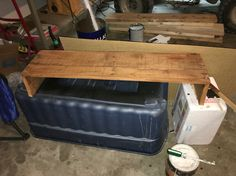 Computer monitor stand pallets