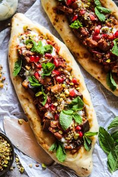 Spiced Aubergine Pide (Vegan Turkish Flatbread Pizza) - Rebel Recipes - I know I say this all the time but this is definitely a new favourite recipe, I really hope you lov - Pizza Vegana, Turkish Pizza, Healthy Smoothie, Turkish Recipes, Romanian Recipes, Scottish Recipes, Turkish Pide Bread Recipe, Pitta Bread Recipe, Vegetarian Recipes