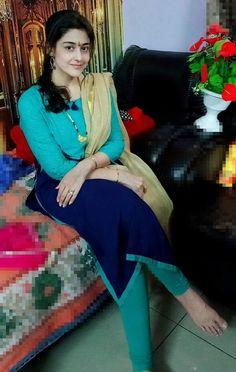 Beautiful Girl In India, Beautiful Blonde Girl, Beautiful Saree, South Indian Actress Hot, Indian Actress Hot Pics, Indian Natural Beauty, Indian Beauty Saree, Cute Beauty, Real Beauty