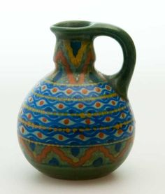 This is a very special piece of pottery from Gouda. It was made in approximately 1923.