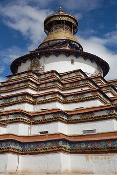 Gyantse Kumbum, Tibet | Ian Cowe | Flickr