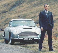 Daniel Craig as James Bond in Tom Ford suit beside vintage Aston Martin in Skyfall Daniel Craig, Craig 007, Craig Bond, Craig James, Classic Aston Martin, Aston Martin Db5, Skyfall, Jaguar, Classic Cars