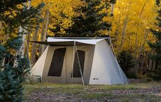 This Kodiak Canvas Deluxe 8 person tent is a waterproof yet breathable and incredibly well-built and reliable tent with steel frame, two doors and four windows, suitable for all seasons and all weather conditions. Pvc Windows, Large Windows, Family Camping, Tent Camping, Kodiak Tent, Cold Weather Tents, Kodiak Canvas, Winter Tent, 8 Person Tent