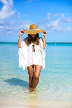 Summer of love, chic summer style, summer looks, bahamas outfit, outfit bea Summer Work Outfits, Summer Outfits Women, Outfits 2016, Beach Vibes, Trendy Swimwear, Beach Photography, One Piece Swimwear, Summer Beach, Beach Fun