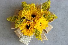 Corsage: viking mums with solid aster and burlap ribbon on a cream wristlet // Celebration Flair Country Style Wedding, Casual Wedding, Corsage Wedding, Flower Bouquet Wedding, Sunflower Corsage, Wristlet Corsage, Corsage And Boutonniere, Boutonnieres, Sunflower Arrangements