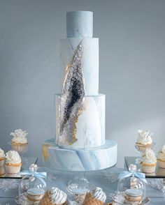 The geode cake trend is one of the most beautiful we've ever seen. Seriously, food trends can come and go, but we hope the geode cake is here to stay! Wedding Cake Decorations, Wedding Cake Designs, Wedding Cakes, Pretty Cakes, Beautiful Cakes, Foto Pastel, Winter Wonderland Cake, Geode Cake, Crystal Cake