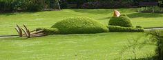 Installations artistiques au Jardin des plantes réalisées par Claude Ponti, auteur et illustrateur pour enfants [Nantes, Loire-Atlantique, FRANCE]