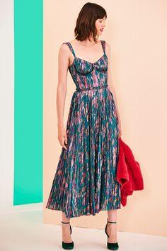 Mendel Resort 2020 Fashion Show - Vogue Fashion 2020, High Fashion, Fashion Show, Fashion Outfits, Womens Fashion, Vogue Fashion, Fashion Spring, Stylish Outfits, Pretty Dresses