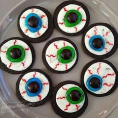 Eyeball cookies.....great idea and oh so easy!