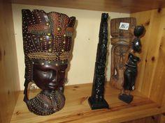 Afrikanische Holz Figuren bei HIOB Muttenz  #Schnäppchen #Trouvaille