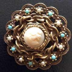 Vintage 1960s Goldette Brooch With Cameo.
