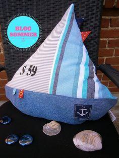 ULRIKES SMAATING: Blogsommer: Näh Dir ein Segelbootkissen