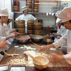 南翔馒头店 | Nanxiang Steamed Bun Restaurant.@alexandreleson (alexandreleson) 's Instagram photos | Webstagram - the best Instagram viewer