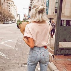 - Beauty and fashion -Levis 501 Skinny Jeans (wasserlos) - / . - Beauty and fashion - Jean Outfits, Fall Outfits, Summer Outfits, Outfits With Short Hair, Short Hair Fashion Outfits, Trendy Outfits, Vacation Outfits, Beauty And Fashion, Look Fashion