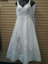 New Mary's Bridal Gown Sz 12
