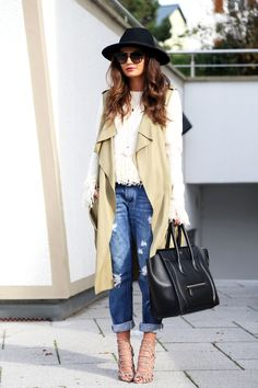 vest: Zara (similar here/here) // sweater: endless love (also like this version) // boyfriend jeans: (similar here/here) // bag: Céline (similar here & here) // sunglasses: Prada (similar version) // sandals: Schutz // rings: Dyrberg/Kern, YSL (similar here) // hat: H&M (similar here) // necklace: F21/Bijou Brigitte (similar here/here) // earrings: Tory Burch Wie ihr vielleicht schon auf meinem Instagram …