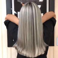 Grey Balayage, Balayage Hair, Balyage Long Hair, Silver Blonde Hair, Dyed Gray Hair, Dying Hair Grey, Long Grey Hair, Gold Hair, Platinum Blonde
