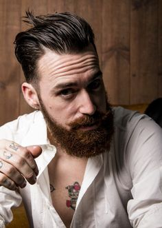 The suave Lord Jack Knife, proprietor of Barbershop 59 in Valencia, Spain