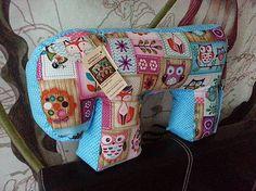 HEDERVIGA / JOHANKA - hravé sovičky modré ...skladom ! Cute Pillows, Diaper Bag, Bags, Handbags, Dime Bags, Mothers Bag, Lv Bags, Purses, Nappy Bags