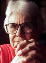 Harper Lee (born April is an American novelist known for her 1961 Pulitzer-Prize-winning novel To Kill a Mockingbird Harper Lee, Book Writer, Book Authors, Great Books, New Books, Books 2016, To Kill A Mockingbird, Writers And Poets, Love Book