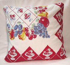Vintage Tablecloth Pillow STRAWBERRY Fruit Bowls, Grapes Retro Kitchen