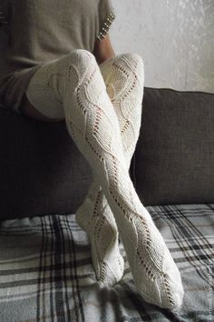Discover recipes, home ideas, style inspiration and other ideas to try. Crochet Socks, Knitting Socks, Knit Crochet, Thigh High Socks, Thigh Highs, Moda Crochet, Sock Leggings, Argyle Socks, White Tights