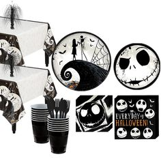 This Nightmare Before Christmas Party Kit for 16 Guests includes Jack Skellington tableware, black tableware, and pumpkin decorations. Set the tables for your Nightmare Before Christmas party with this kit! Halloween First Birthday, Christmas Birthday Party, Wild One Birthday Party, Halloween Party Themes, 6th Birthday Parties, 4th Birthday, Halloween Backdrop, Birthday Cakes, Birthday Ideas