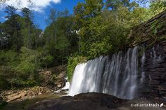 Hike this moderate, 3 mile loop to two historic mills, a covered bridge, and a historic dam waterfall at Vickery Creek in Roswell. #hiking #atlanta