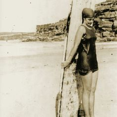 Letham with her Hawaiian champion surfboard, made from a slab of American sugar pine. Isabel Letham was an inspiration, carving the waves in a male-dominated sport during an era when most girls remained on the beach. Women In History, World History, Hawaiian Legends, Swimming Champions, Female Surfers, Visit Sydney, Surf Girls, Before Us, Continents